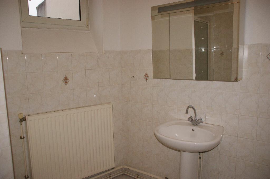 Appartement à louer 3 51.54m2 à Nancy vignette-6