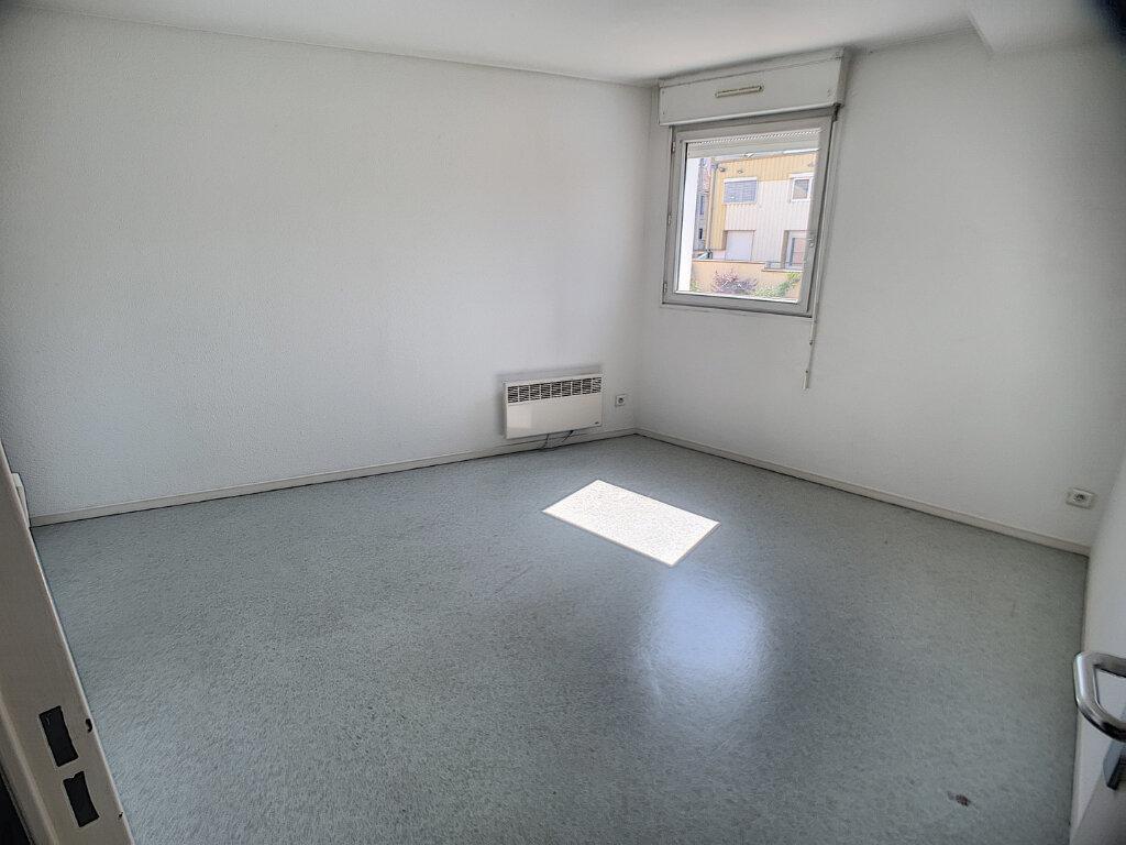 Appartement à louer 2 58m2 à Nancy vignette-2