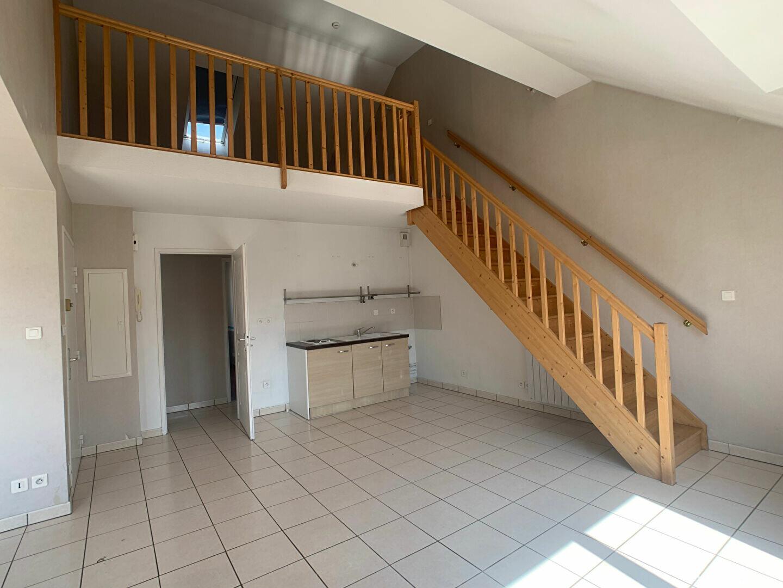 Appartement à louer 3 60.78m2 à Nancy vignette-2