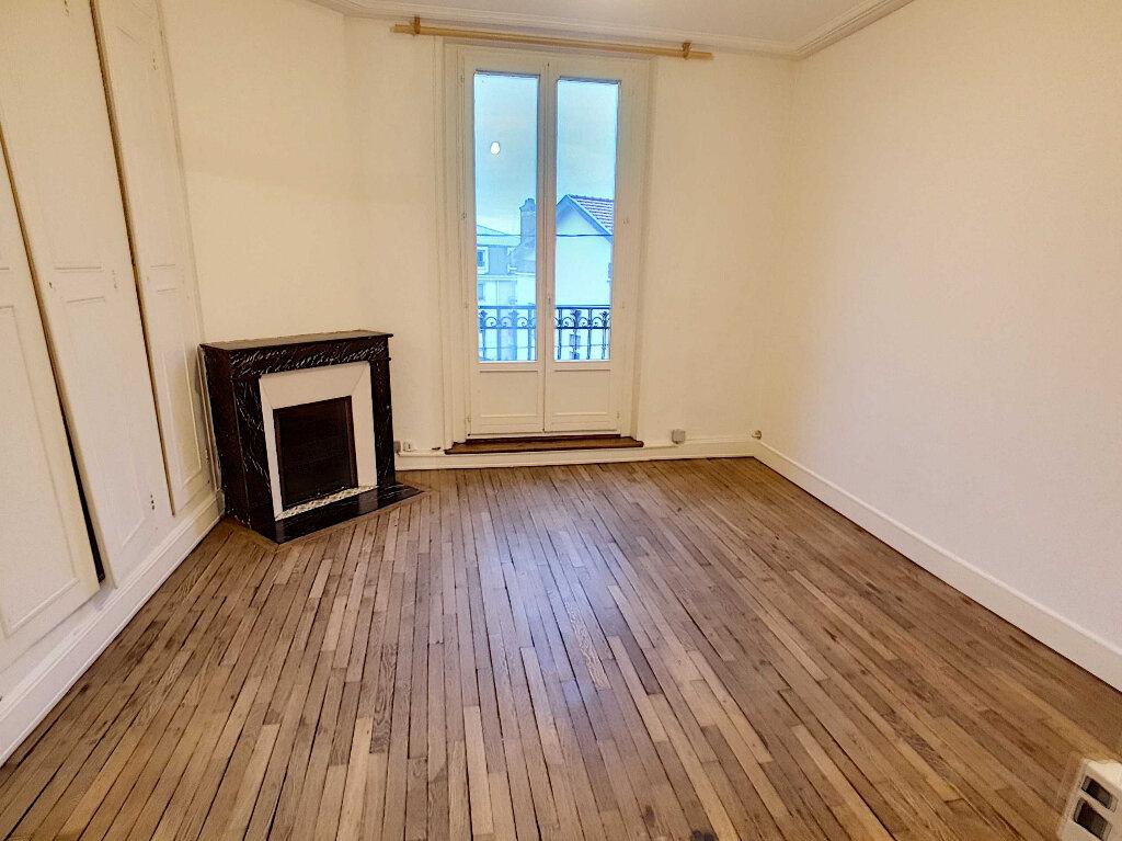 Appartement à louer 5 76.95m2 à Nancy vignette-3