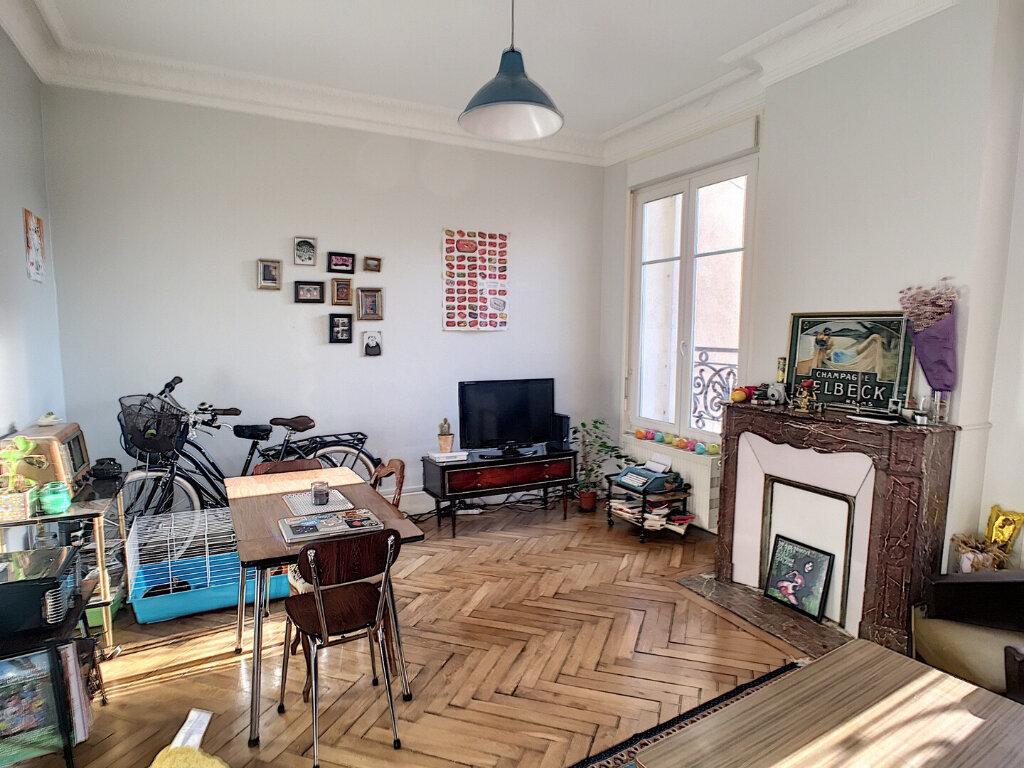 Appartement à louer 2 50m2 à Nancy vignette-1