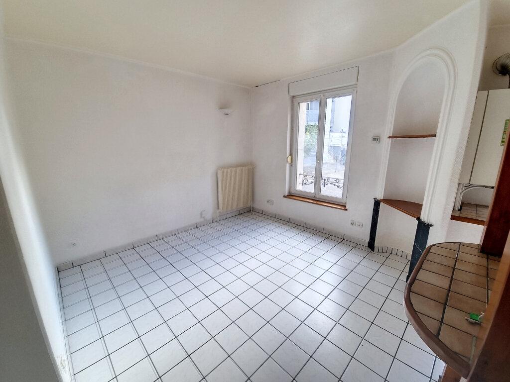 Appartement à louer 2 28m2 à Nancy vignette-1