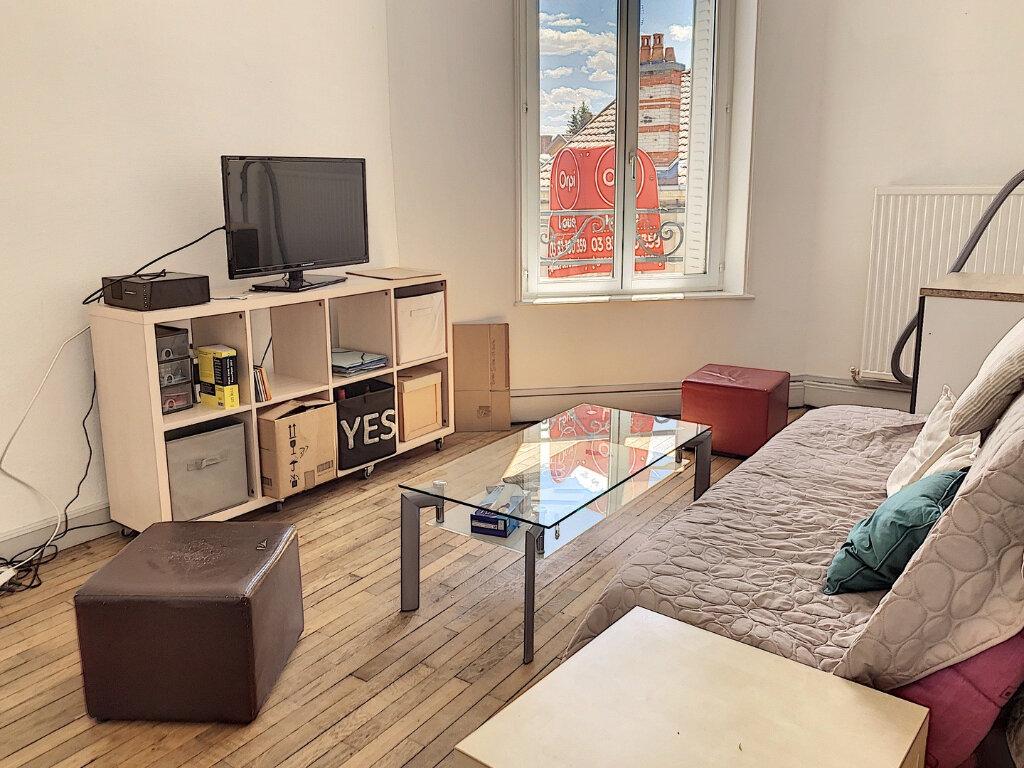 Appartement à louer 2 46.72m2 à Nancy vignette-3