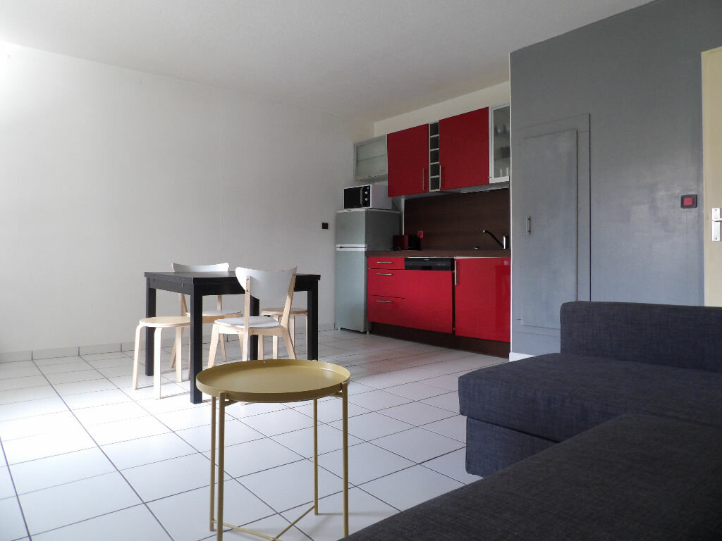 Appartement à louer 1 35.04m2 à Bordeaux vignette-1