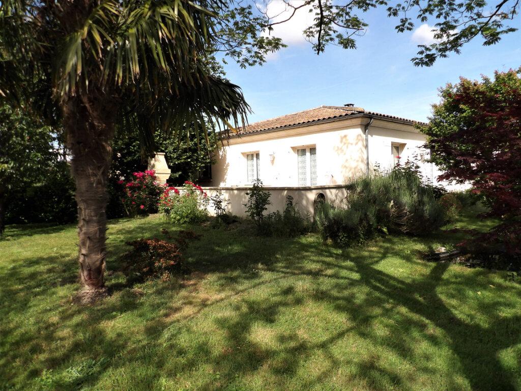 Maison à vendre 5 155m2 à Mérignac vignette-1