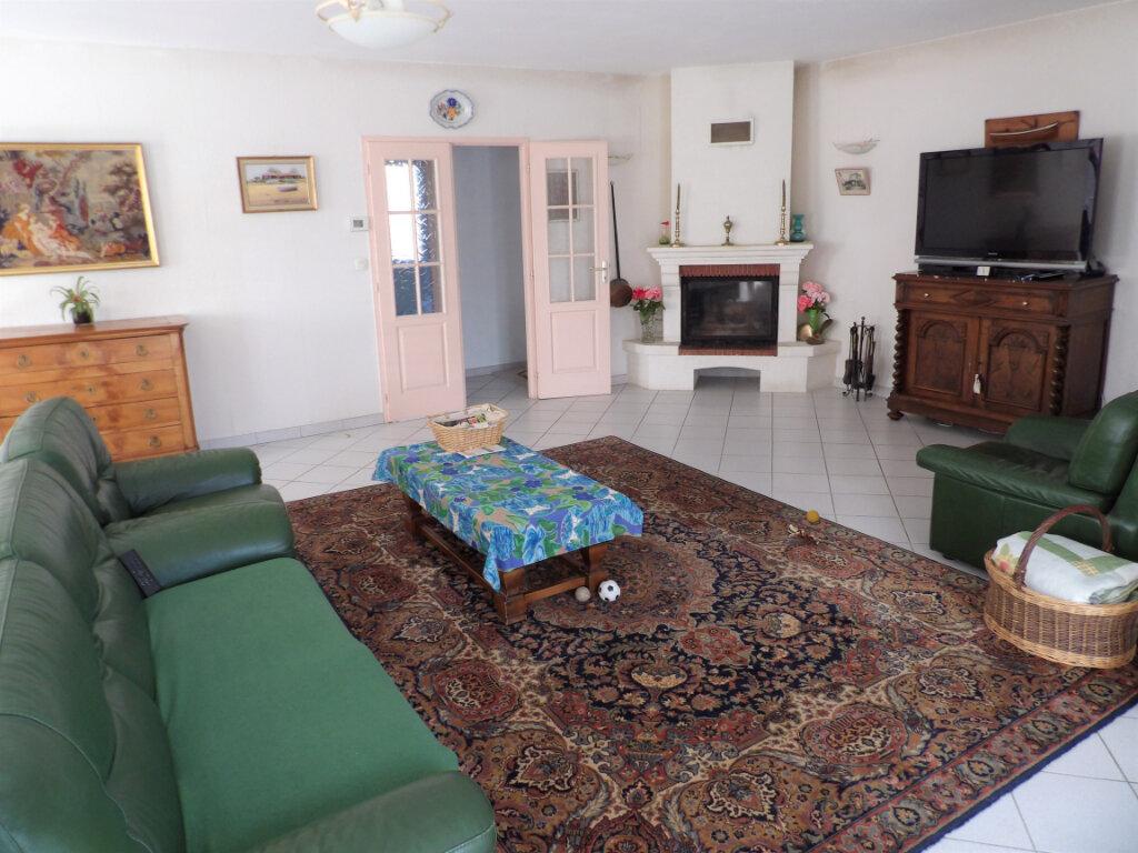 Maison à vendre 5 155m2 à Mérignac vignette-2
