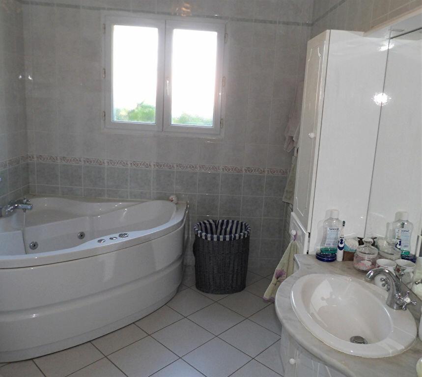 Maison à vendre 5 155m2 à Mérignac vignette-6