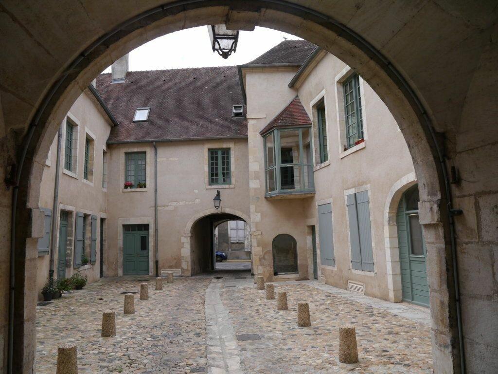 Appartement à louer 1 30m2 à La Charité-sur-Loire vignette-1
