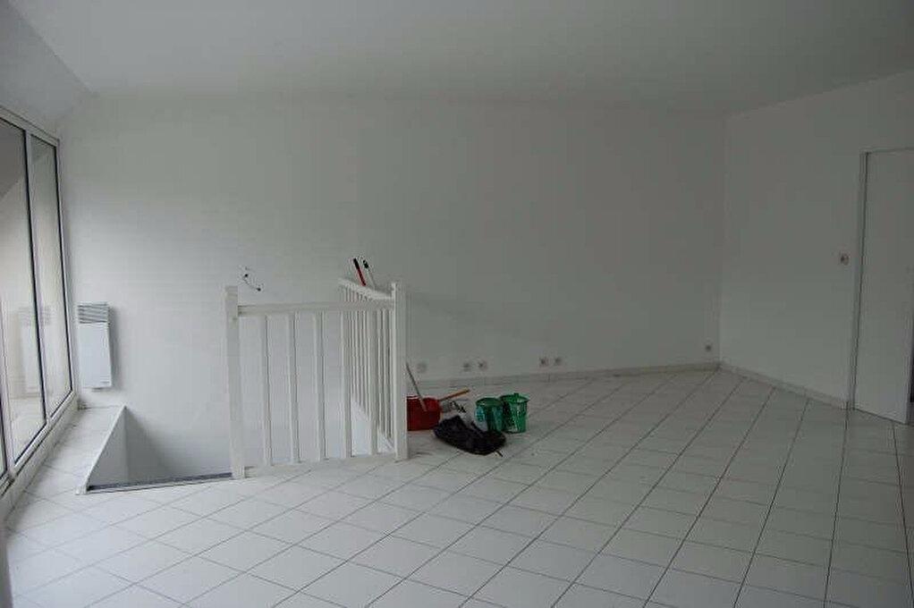 Appartement à louer 2 84m2 à Sancerre vignette-4