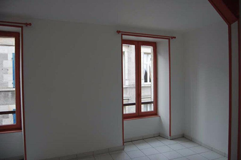 Appartement à louer 2 84m2 à Sancerre vignette-7