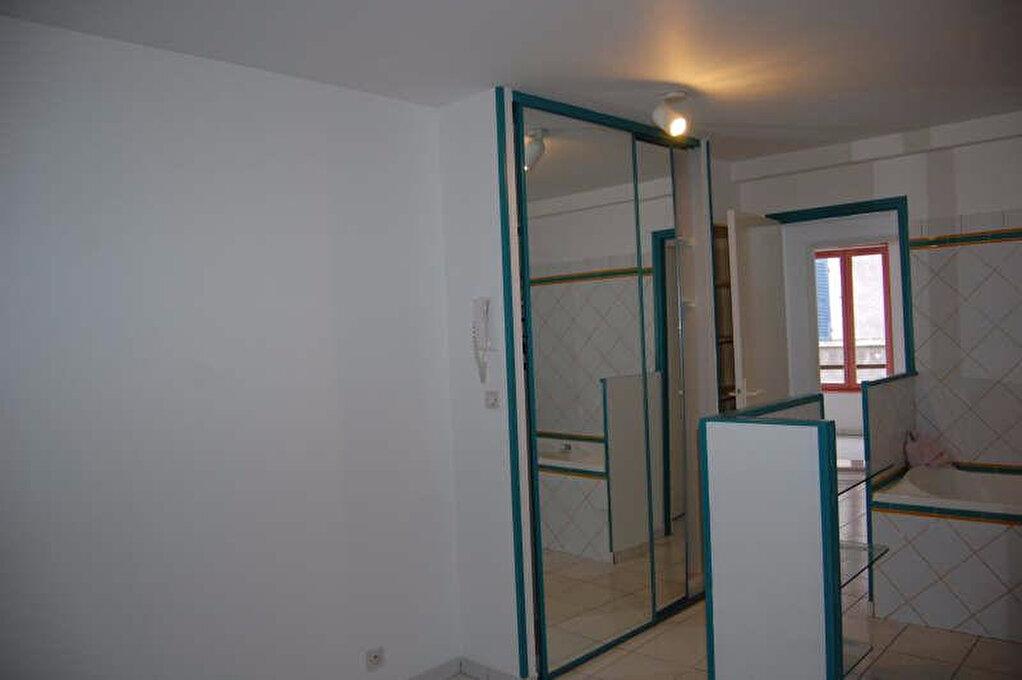 Appartement à louer 2 84m2 à Sancerre vignette-11