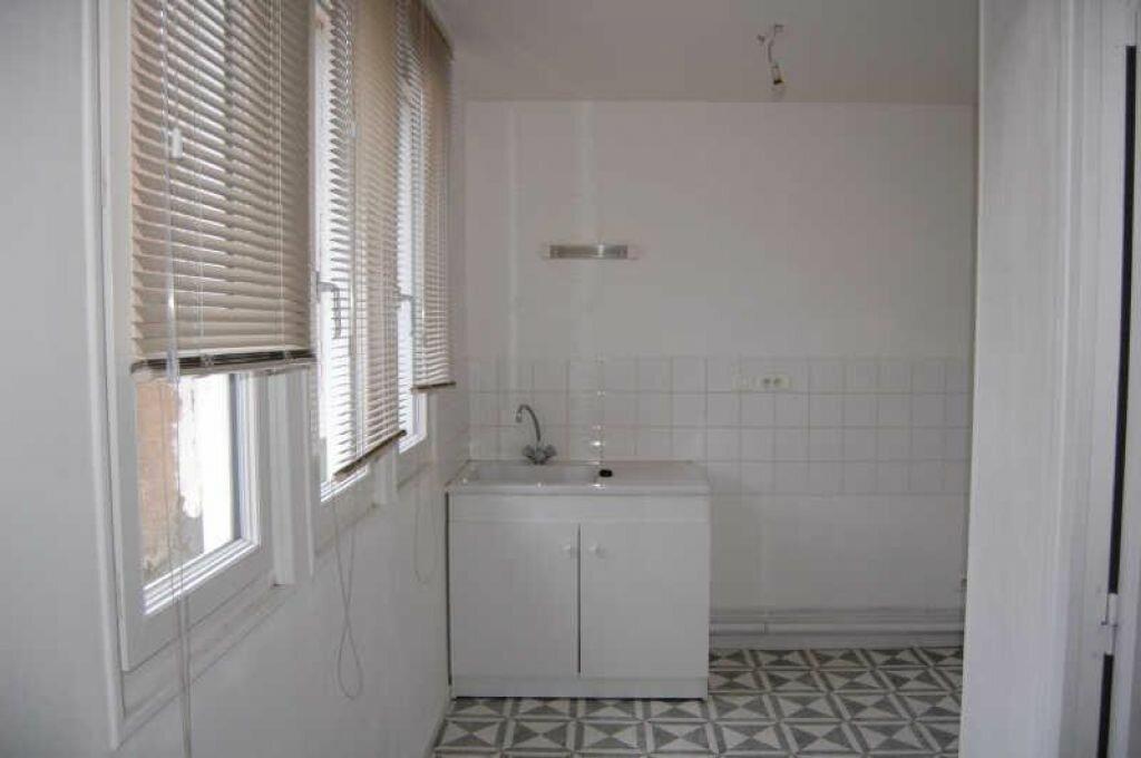 Appartement à louer 1 28m2 à Saint-Satur vignette-2