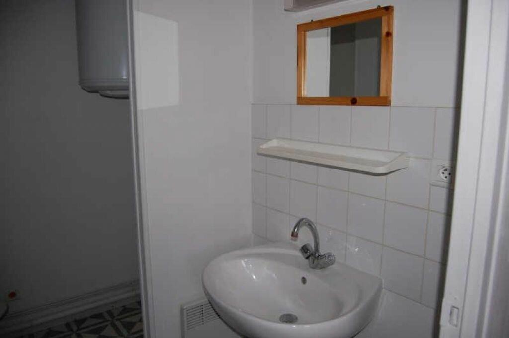 Appartement à louer 1 28m2 à Saint-Satur vignette-3