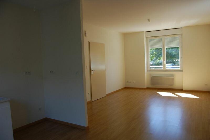Appartement à louer 3 65m2 à Sancerre vignette-2