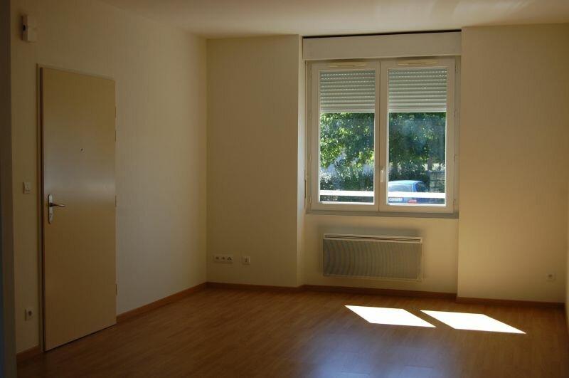 Appartement à louer 3 65m2 à Sancerre vignette-4