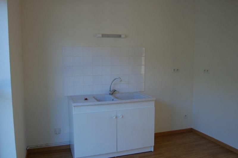 Appartement à louer 3 65m2 à Sancerre vignette-5