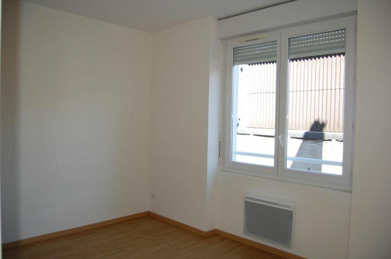 Appartement à louer 3 65m2 à Sancerre vignette-7