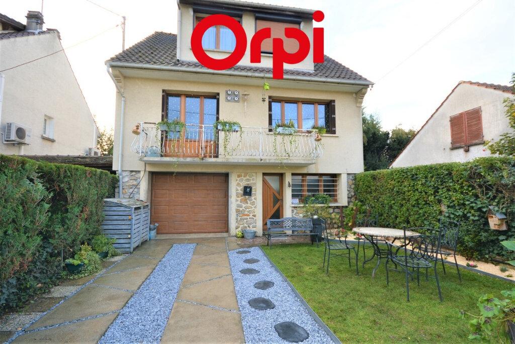 Maison à vendre 5 116m2 à Lagny-sur-Marne vignette-1