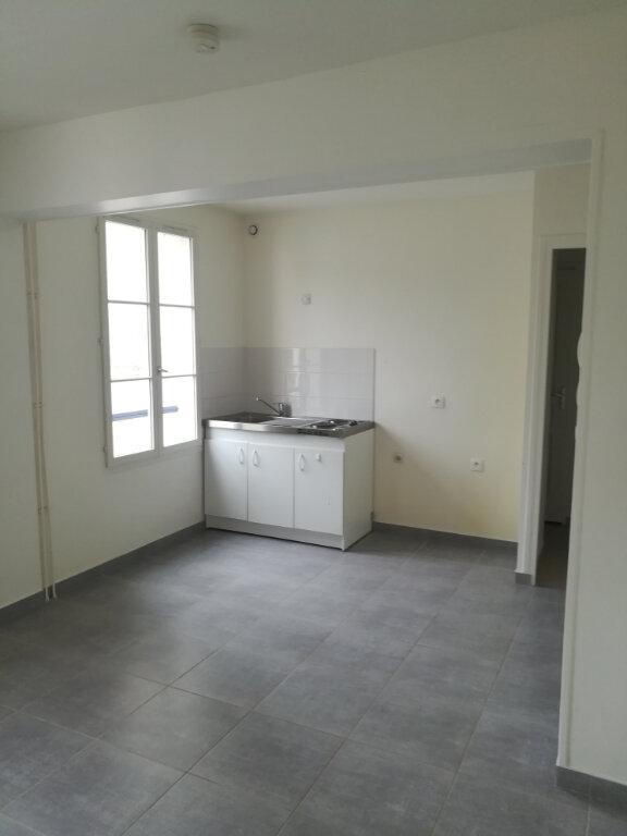 Appartement à louer 2 34m2 à Armentières-en-Brie vignette-2