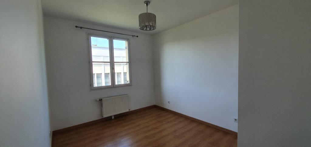 Appartement à louer 2 38.07m2 à Brie-Comte-Robert vignette-5