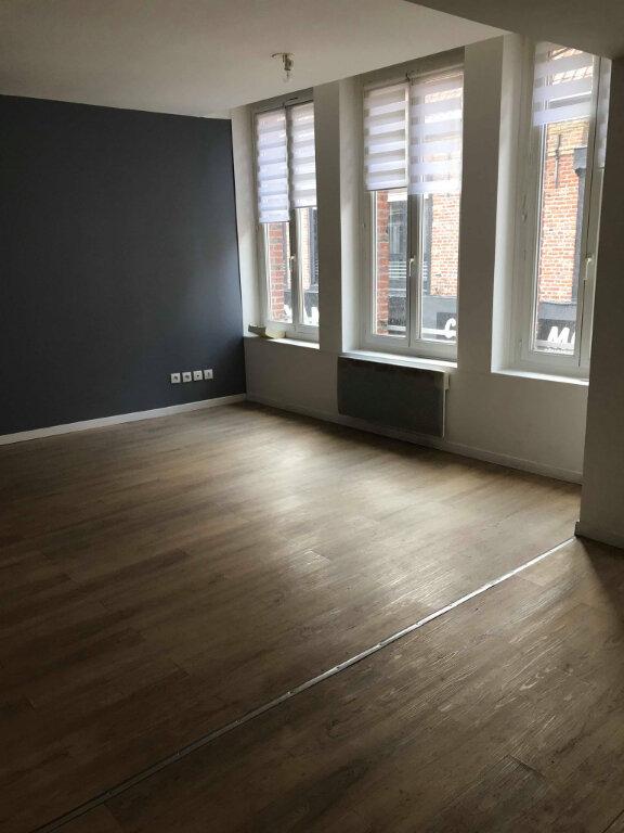 Appartement à louer 3 55m2 à Hazebrouck vignette-2