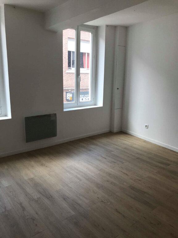 Appartement à louer 3 55m2 à Hazebrouck vignette-3
