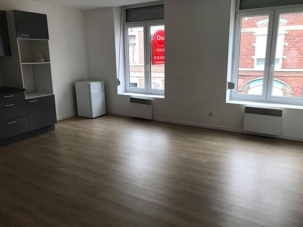 Appartement à louer 2 46m2 à Hazebrouck vignette-3