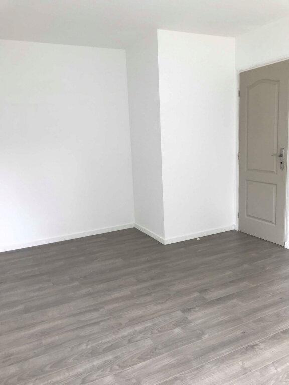 Appartement à louer 2 46m2 à Hazebrouck vignette-6