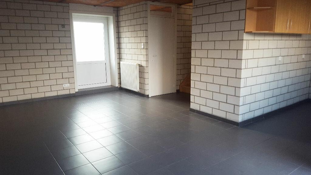 Maison à louer 3 95m2 à Saint-Jans-Cappel vignette-1