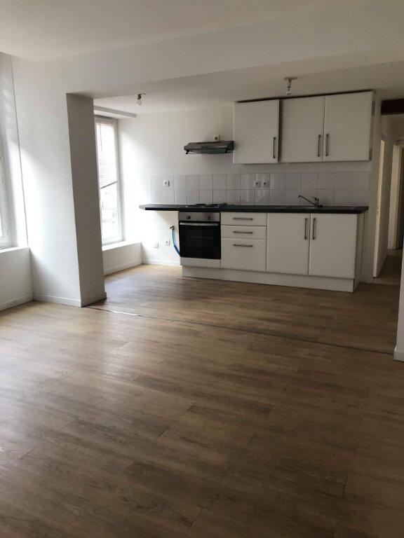 Appartement à louer 3 55m2 à Hazebrouck vignette-1