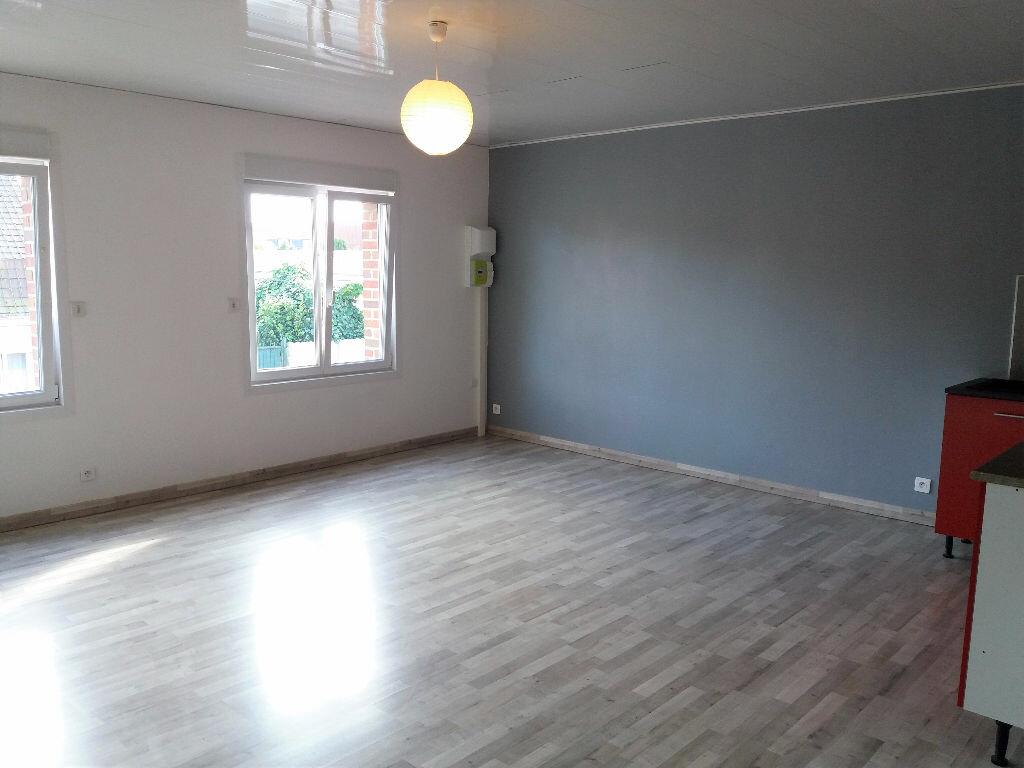 Appartement à louer 3 70m2 à Caëstre vignette-2