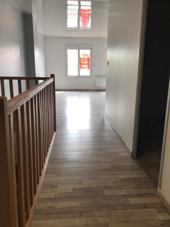 Appartement à louer 3 70m2 à Caëstre vignette-5