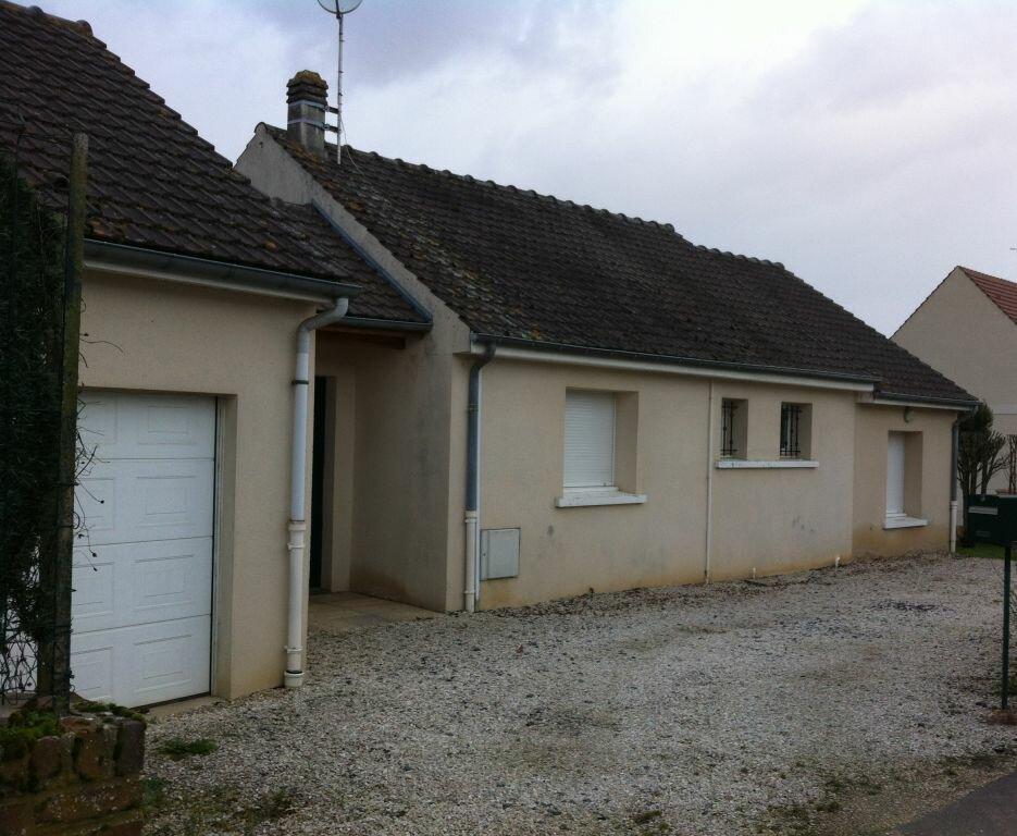Maison à louer 5 71m2 à Genvry vignette-1