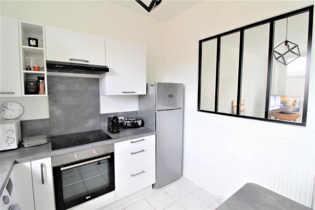 Appartement à vendre 2 41m2 à Noyon vignette-1