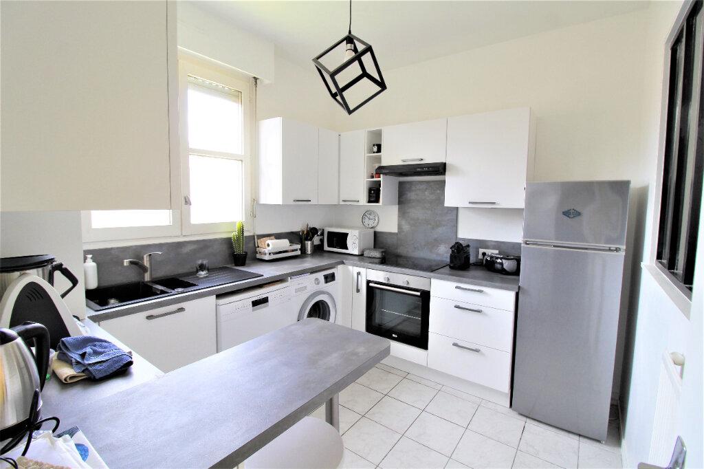 Appartement à vendre 2 41m2 à Noyon vignette-2