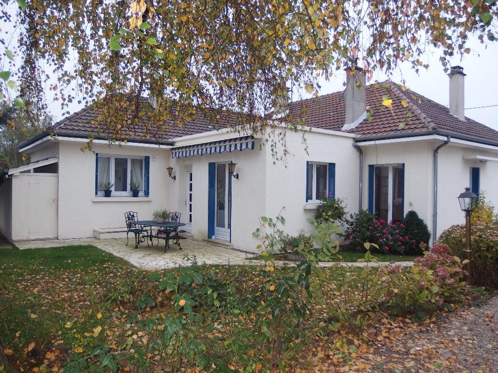 Maison à vendre 4 118m2 à Noyon vignette-1