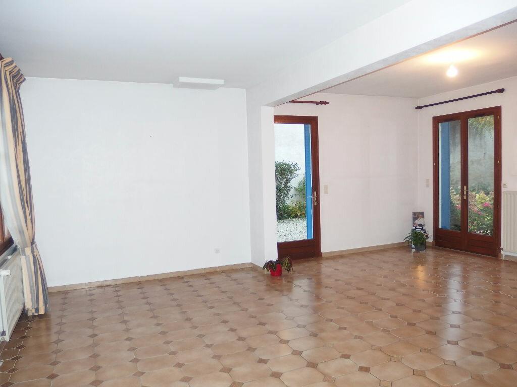 Maison à vendre 4 118m2 à Noyon vignette-7