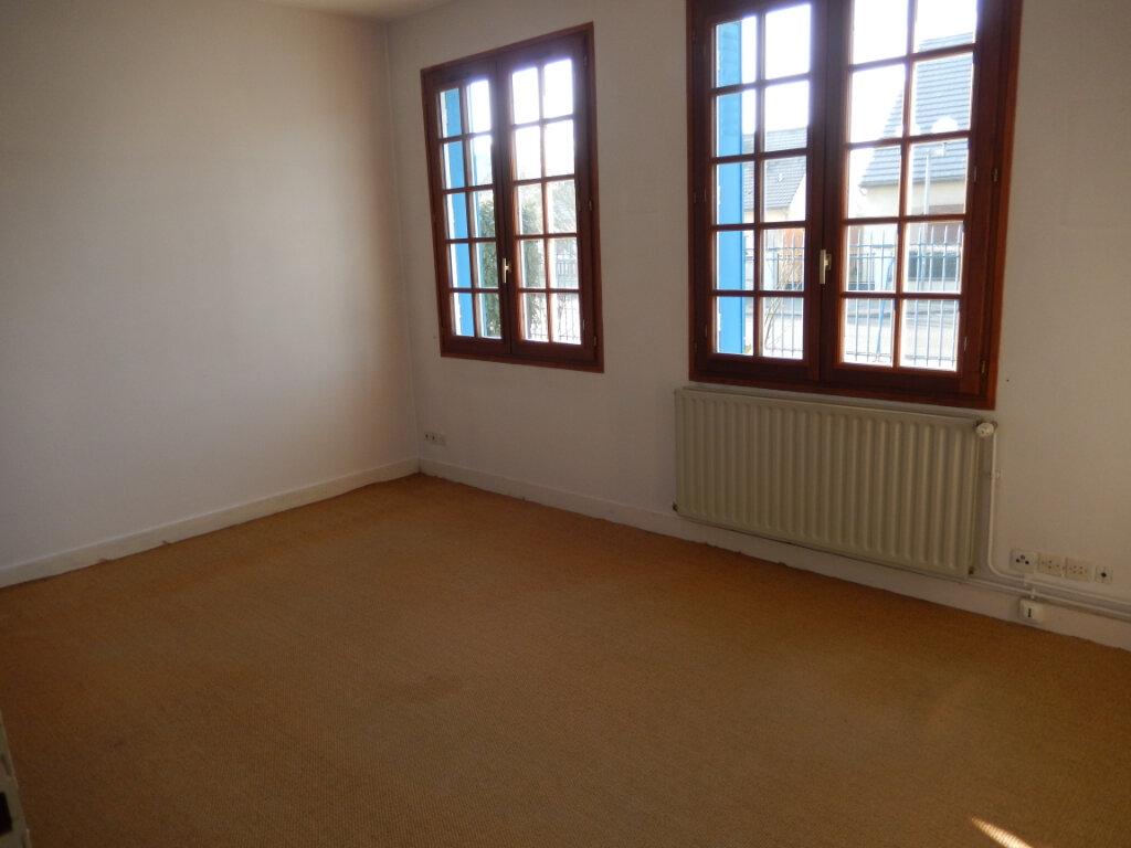 Maison à vendre 4 118m2 à Noyon vignette-9