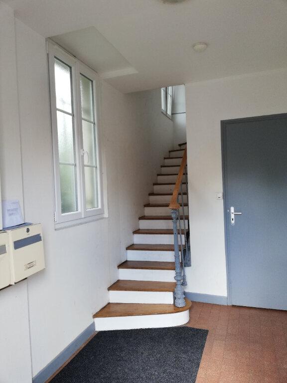 Appartement à louer 3 53.43m2 à Noyon vignette-2