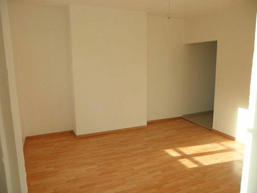 Appartement à louer 3 50.55m2 à Pont-l'Évêque vignette-4