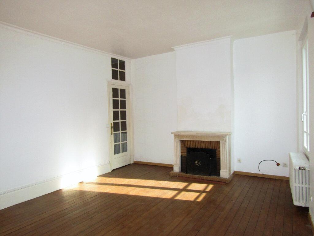 Maison à vendre 5 120m2 à Blérancourt vignette-3