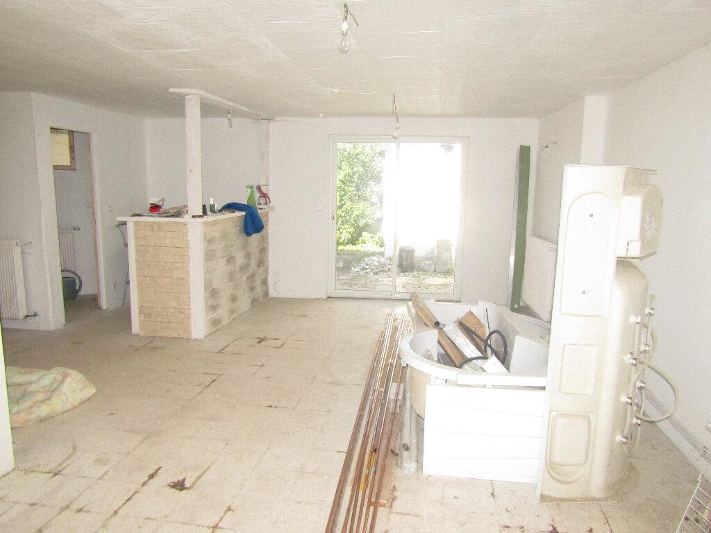 Maison à vendre 3 66.3m2 à Flavy-le-Martel vignette-3