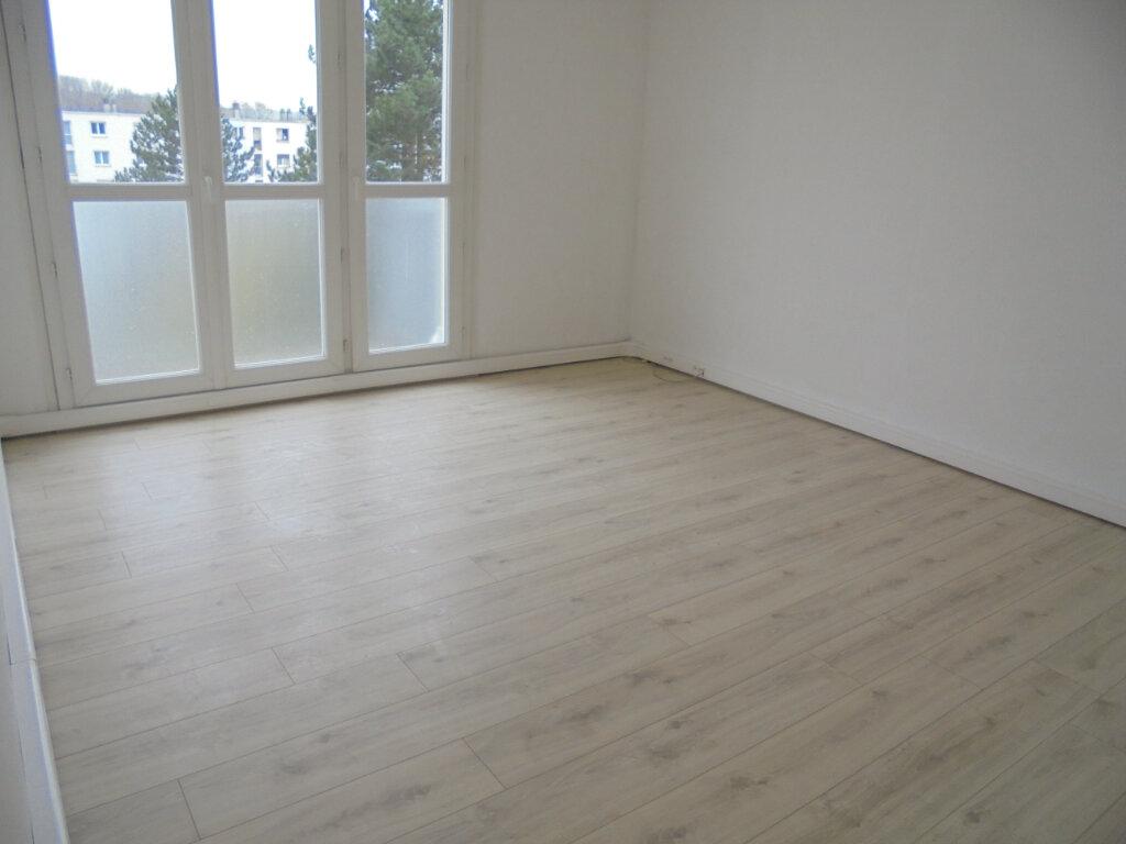 Appartement à louer 3 57.67m2 à Noyon vignette-1