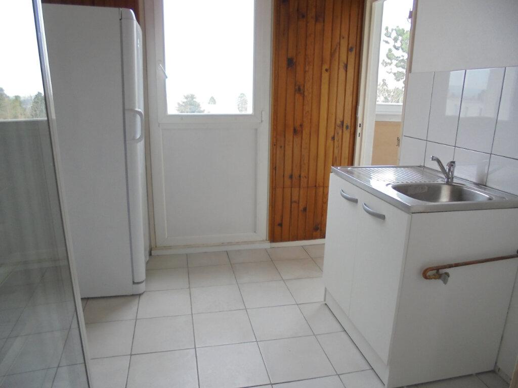 Appartement à louer 3 57.67m2 à Noyon vignette-4