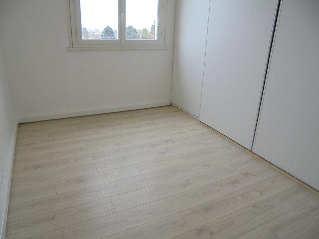 Appartement à louer 3 57.67m2 à Noyon vignette-5