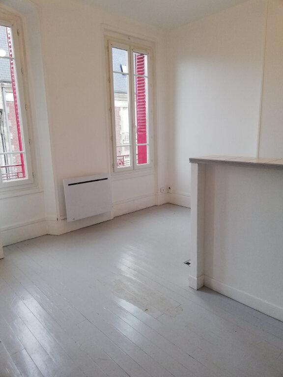 Appartement à louer 2 26m2 à Noyon vignette-1