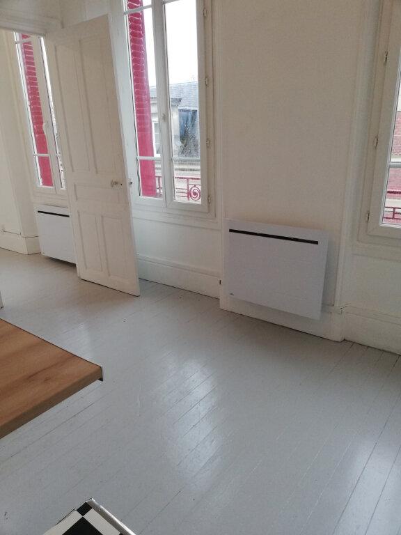Appartement à louer 2 26m2 à Noyon vignette-2