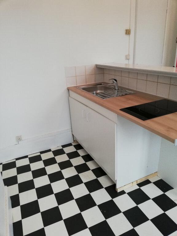 Appartement à louer 2 26m2 à Noyon vignette-3