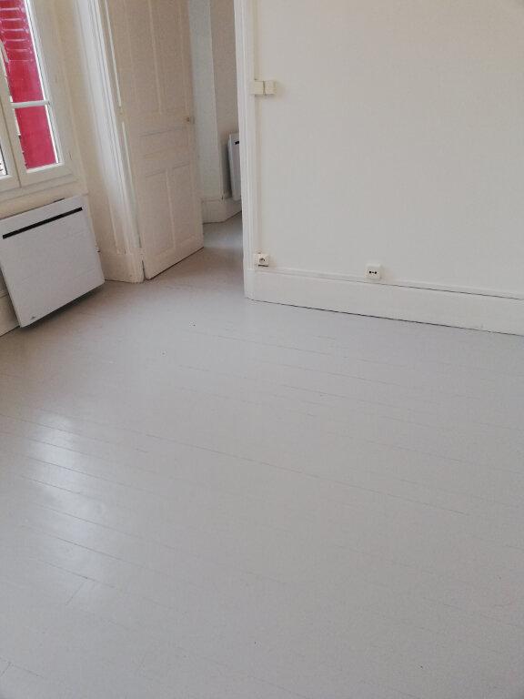 Appartement à louer 2 26m2 à Noyon vignette-5