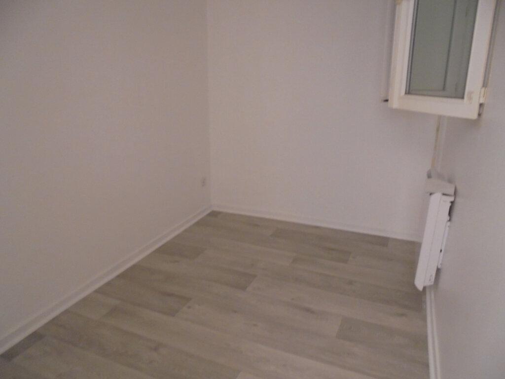 Appartement à louer 1 18.77m2 à Noyon vignette-4